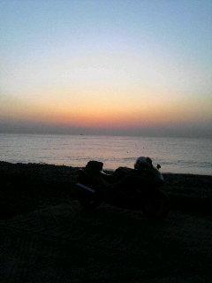 今朝は浜辺